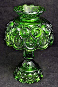 Green Moon, Viking Glass, Fairy Lamp, Carnival Glass, Stars And Moon, Colored Glass, Stained Glass, Candle Holders, Vase
