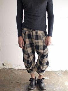 Lumen et Umbra – Checked anatomic shorts __  364 EUR
