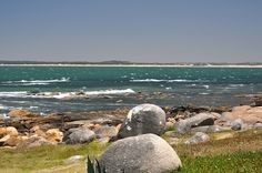 boulders make for rocky beachcapes in José Ignacio Take this coupon and travels to the José Ignacio, Uruguay. #airbnb #airbnbcoupon #joseignacio #uruguay