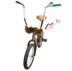 """Pourquoi c'est top ? Parce que c'est presque mieux que la carstache. Parce que votre vélo est lui un peu hispter. Pour dire que votre vélo se laisse lui aussi """"poustache""""."""