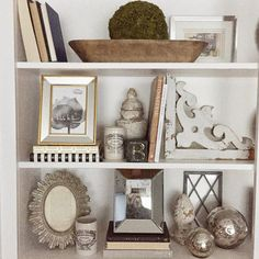 6 Valuable Clever Tips: Small Living Room Remodel Kitchen Makeovers small living room remodel interiors.Livingroom Remodel With Fireplace living room remodel on a budget how to decorate.Living Room Remodel On A Budget Home Improvements. French Country Bedrooms, French Country House, French Country Decorating, Country Chic, Interior Design Living Room, Living Room Decor, Interior Livingroom, Estilo Shabby Chic, Bookshelf Styling