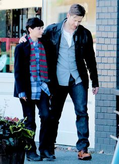 David and Henry out for a little grandfather/grandson bonding Abc Shows, Best Tv Shows, Movies And Tv Shows, Favorite Tv Shows, Hook And Emma, Outlaw Queen, Character Base, Cartoon Games, Captain Swan