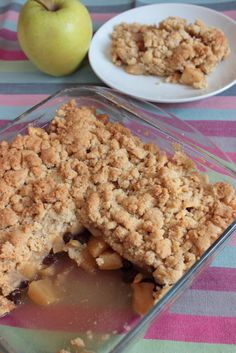 Cocina – Recetas y Consejos Brownie Desserts, Apple Desserts, Apple Crumble Receta, Dessert Bread, Dessert Recipes, Apple Cinnamon Cake, Sweet Corner, Pillsbury Recipes, I Foods