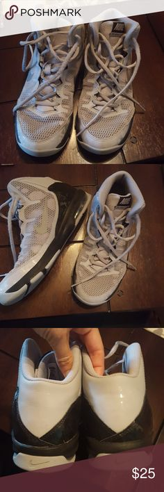 PRICE REDUCED!! Nike Basketball Shoes, Youth In super condition, hardly worn Nike Shoes Sneakers