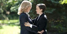 """""""Freeheld - Jede Liebe ist gleich"""" - Die Polizistin Laurel Hester (Julianne Moore) und die junge Mechanikerin Stacie Andree (Ellen Page) verlieben sich."""