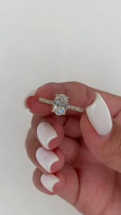 Cute Engagement Rings, Oval Engagement, Diamond Engagement Rings, Oval Shaped Engagement Rings, Engagement Couple, Pretty Rings, Beautiful Rings, Unique Rings, 1 Carat