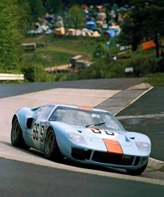 David Hobbs - Brian Redman (Gulf - Ford 1000 km de Nürburgring 1968 - source Carros e Pilotos. Sports Car Racing, Sport Cars, Auto Racing, Road Racing, Vintage Racing, Vintage Cars, Vintage Auto, Us Cars, Race Cars