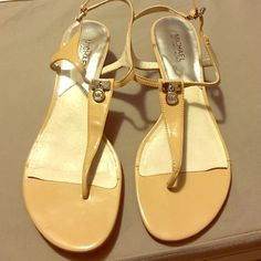 MICHAEL Michael Kors Thong Sandals Tan Michael Kors Sandals (used) MICHAEL Michael Kors Shoes Sandals
