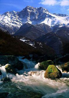 Mountainous, unspoiled, landscape of Armenia. (V)