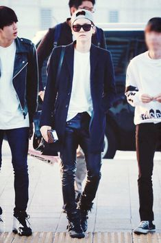 Mum YOONGI SUGA BTS BANGTAN boys airport fashion