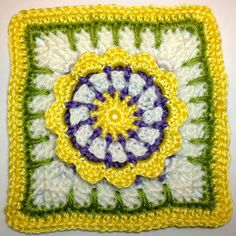 Dag 15 free pattern I AM...CRAFTY!: Hooked on Granny Squares