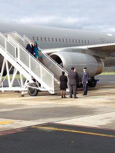 4/13/14 William & Kate arrive in Dunedin, New Zealand.