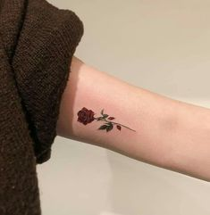 Outstanding tiny tattoos ideas are offered on our internet site. - Outstanding tiny tattoos ideas are offered on our internet site. Read more and you will not be sor - Mini Tattoos, Tiny Rose Tattoos, Tiny Tattoos For Girls, Palm Tattoos, Subtle Tattoos, Pretty Tattoos, Beautiful Tattoos, Body Art Tattoos, Cool Tattoos