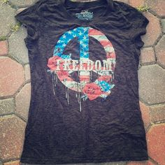 Rocker Girl Patriotic Tee Love this tee! It's charcoal black with awesome red, white and blue. Always open to offers using the offer button and I love to bundle. Patriotic Tee Shirts, Rocker Girl, Charcoal Black, Fashion Design, Fashion Tips, Fashion Trends, Button, Tees, Awesome