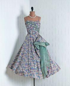 1950s dress wish I had a closet full
