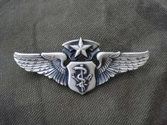 S air force chief flight nurse wing badge.I earned this and wore it proudly Paramedic Tattoo, Flight Paramedic, Flight Nurse, Nursing Pins, Nursing Career, Navy Air Force, Us Air Force, Air Force Nurse, Trauma Nurse