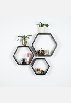 Made from pine wood, these display shelves make the perfect addition to any wall space. Create a standout wall feature by stacking or aligning them.