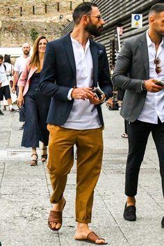12 Useful Tips about Men's Fashion – Designer Fashion Tips Mens Italian Street Style, Italian Mens Fashion, Mens Fashion Week, 70s Fashion, Black And White Blouse, Men Street, Mode Style, Loafers Men, Menswear