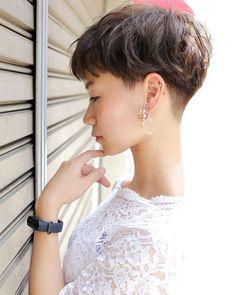 Pin on 刈り上げ Pin on 刈り上げ Asian Short Hair, Girl Short Hair, Short Hair Cuts, Pixie Hairstyles, Pixie Haircut, Cool Hairstyles, Haircuts, Shot Hair Styles, Long Hair Styles