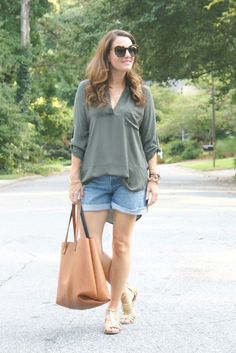 Summer outfit ideas via Peaches In A Pod blog.