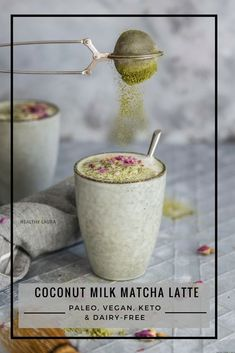 All the good thing with matcha. Sprinkle with rose petals to get extra flavor and you can replace this with coffee. Energy Boost from ceremonial grade (A grade) matcha. My first love to matcha began five years ago when . Iced Matcha Recipe, Photo Café, Edible Roses, Vanilla Bean Powder, Brunch, Speed Foods, Matcha Benefits, Health Benefits, Unsweetened Coconut Milk