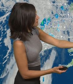 Itv Weather Girl, Weather Girl Lucy, Hottest Weather Girls, Lucy Wilde, Jennifer Lawrence Photos, Gal Gabot, Hot Country Girls, Tv Girls, I Love Lucy