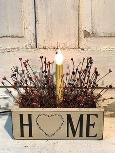 Primitive Home Decor - Light Arrangment - Wood Ruffles and Lace Primitives Primitive Homes, Primitive Crafts, Country Primitive, Painted Wood Crafts, Painted Paper, Electric Light, Decorating Ideas, Decor Ideas, Home Decor Lights