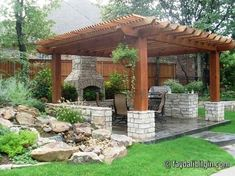 Amazing Modern Pergola Patio Ideas for Minimalist House. Many good homes of classical, modern, and minimalist designs add a modern pergola patio or canopy to beautify the home. Pergola Patio, Pergola Plans, Pergola Kits, Backyard Patio, Backyard Landscaping, Landscaping Ideas, Wooden Pergola, White Pergola, Backyard Fireplace