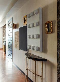 Kelly Wearstler, Soho, Small Apartment Interior, Apartment Ideas, Hallway Designs, Foyer Decorating, Living Room Art, Elle Decor, Beautiful Interiors