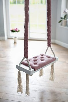 Witzige und romantische Wohndeko fürs Schlafzimmer: Schaukel in Weiß mit rosa Kissen, Shabby Chic / shabby chic swing with rose cushions made by Zuzu-la via DaWanda.com