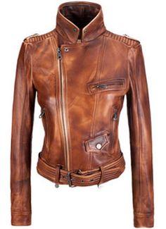 Укороченные пиджаки и жакеты также хорошо смотрятся на высоких и стройных фигурах данного типа.