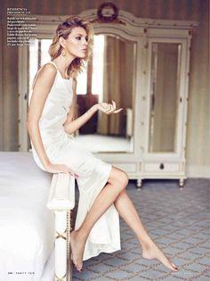 anja rubik 2014 3 Anja Rubik Gets Glam for January Issue of Vanity Fair Spain