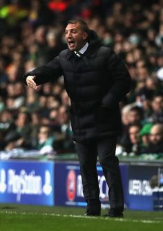 Brendan Rodgers manager of Celtic gives his team instructions during the UEFA Champions League Group C match between Celtic FC and FC Barcelona at Celtic Park Stadium on November 23, 2016 in Glasgow, Scotland.