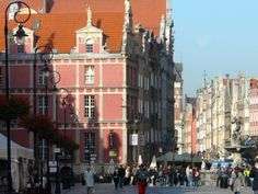 Use our tips for a self-guided Gdansk walking tour. This is perfect as an independent cruise excursion or as part of a land-based adventure in Poland.