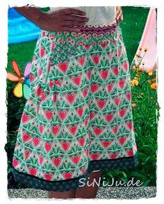Prima Nähidee für den Baumwoll-Köper bei www.Stoff-Schmie.de. Einfach selber ebdrucken und mit dem VALESKA Schnittmuster diesen Rock für Damen nähen. Geeignet für Anfänger. Bei farbenmix.