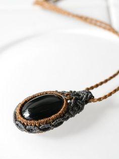 ブラックスター&モルダバイト隕石&ヒマラヤ水晶天然石マクラメ編みペンダント
