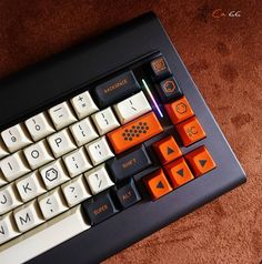 CA66 is coming. A throwback to keyboards from the 80s. This updated version has an RGB light bar and pairs so well with SA keysets. Follow @barryboy5566 for more details. I know I'm very keen on this happening!
