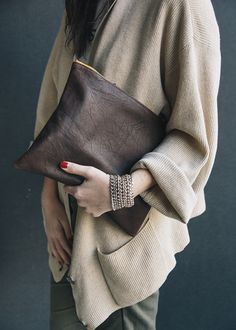 The Louie+ Clutch