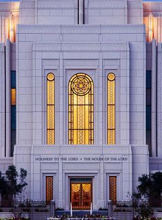 Gilbert Arizona Temple. I'm going there...on Thursday:). So beautiful, so excited