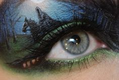 This girl does some AMAZING and crazy makeup art!!