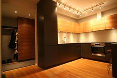 FINN – Luftig og lys hjørneleilighet med balkong, heis og peis. Leie inkl. utilities