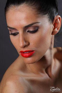 Stunning young Romanian Model Bianca Goga  - makeup