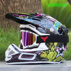Full Face Motorcycle Helmet + goggles free gift Size: S, M, L, XL Motocross Goggles, Full Face Motorcycle Helmets, Backpacker, Motorcycle Accessories, Free Gifts, Skateboard, Remote, Automobile, Car