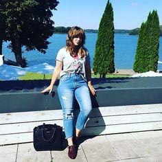 Wracać czas... ☀️☀️☀️ więc mina nietęga😅 #radzka #vlogerka #fashionvlogger #vlogger #youtuber #sun #warmia #gallery69 #BizuteriaYES #YEStemYES #KY2017 #ootd #travel #poland #theendofsummer #sabrinapilewicz #promod #minniemouse #polishgirl #happy