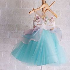 Model Number: Toddler Wedding Bridesmaid DressMaterial: Lace,MeshStyle: CasualDecoration: LaceSilhouette: Ball GownSleeve Length(cm): SleevelessPattern Type: FloralSleeve Style: RegularDresses Length: Above Knee, MiniCollar: O-neckBuilt-in Bra: NoFit: Fit Baby Girl Party Dresses, Birthday Dresses, Baby Dress, Girls Dresses, Flower Girl Dresses, Wedding Bridesmaid Dresses, Wedding Party Dresses, Wedding Parties, Formal Wedding