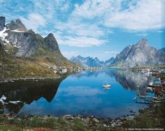 Browse our selection of Lofoten Islands holidays today. Find the real Lofoten Islands with Sunvil. Lofoten, Trondheim, Places To Travel, Places To See, Norway Fjords, Svalbard Norway, Kirkenes, Beautiful Norway, Brest
