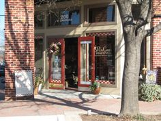Plum Creek Primitives, McKinney TX. I would LIVE in that shop if I could!!