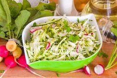 Салат из капусты, редиса и огурца