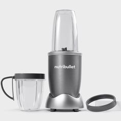 Transform ordinary ingredients into extraordinary drinks, milks and smoothies with the original nutrient extractor. Compact yet powerful (not to mention a great value), this blender combines cyclonic action with specialized blades to effortlessly … Nutribullet 600, Single Serve Blenders, Natural Ice Cream, Smoothie Blender, Smoothie Recipes, Magic Bullet, Innovation Design, Superfood, Whole Food Recipes