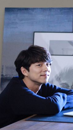 phone wallpaper ❤❤ 공유 Gong Yoo ♡♡ Life was its usual and then there's Yoo. Gong Yoo Smile, Yoo Gong, Asian Actors, Korean Actors, Korean Celebrities, Celebs, Goblin The Lonely And Great God, Goong Yoo, Yoon Eun Hye